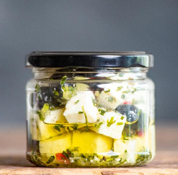 Natúr sajt (olívaolajban, olívabogyóval) - 15 dkg