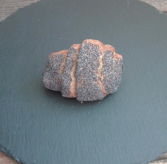 Teljes kiőrlésű csokis croissaint (mákszórással) - 2 db