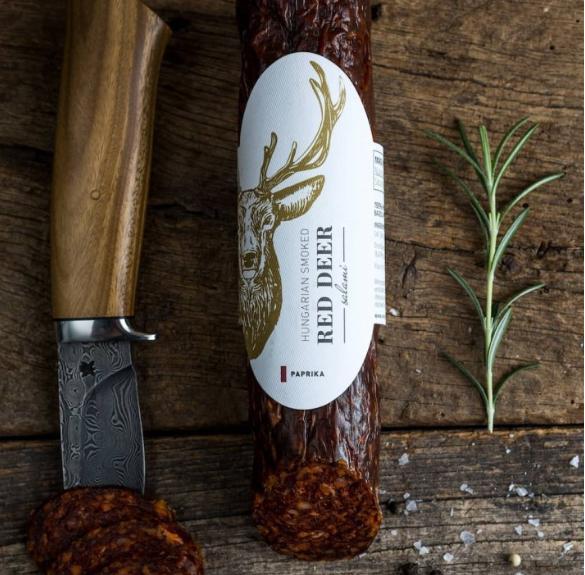 Paprikás szarvas szalámi (arany szarvas címke) sertéshússal - kb. 25-30 dkg
