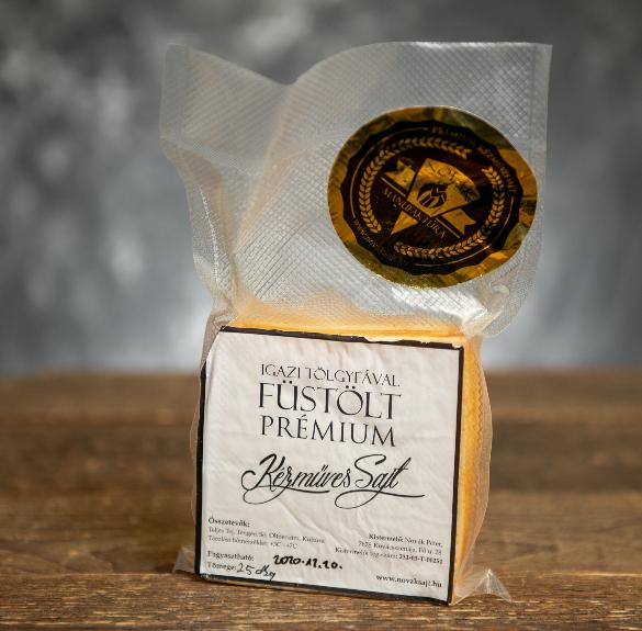Igazi tölgyfával füstölt prémium kézműves sajt - kb. 22-25