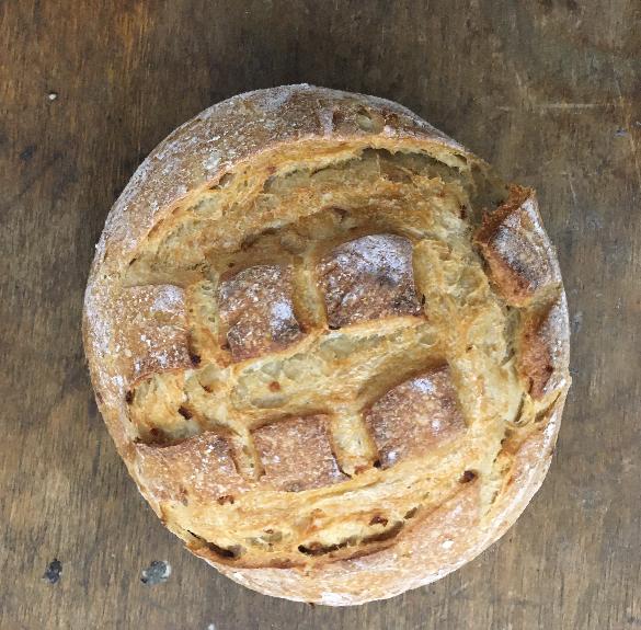 Hagymás kerek, négyzetes vágással a tetején kovászos kenyér - 500 g